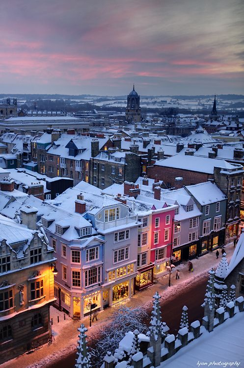 Snowy Night, Oxford, England  photo via danielle