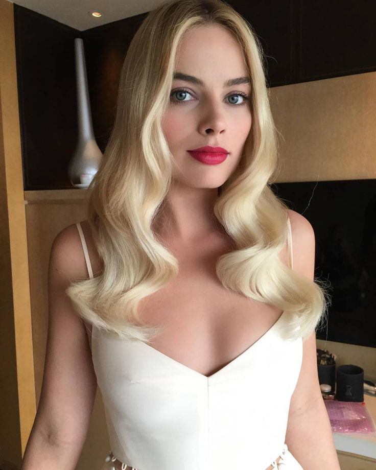 Margot Robbie #sexy #celebrity #hotgirls - Visit http://www.classybro.com/category/hot-girls/ for more!