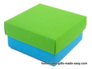 Instructions for folding your own box and lid. Any size. Easy to follow and very cute.