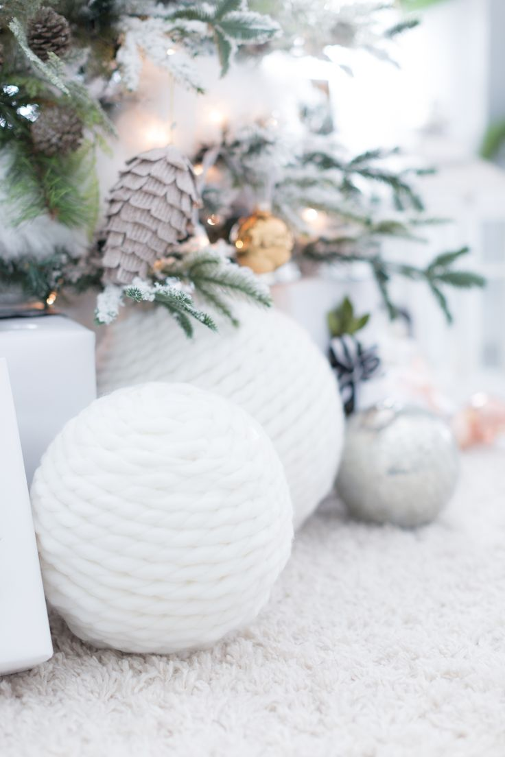 Fabulous Winter Decor Giant Snowball Spheres Make Great Christmas Decorations For A White Or