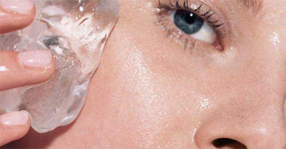 Beauté 6 choses qui arrivent lorsque vous mettez des glaçons sur la peau