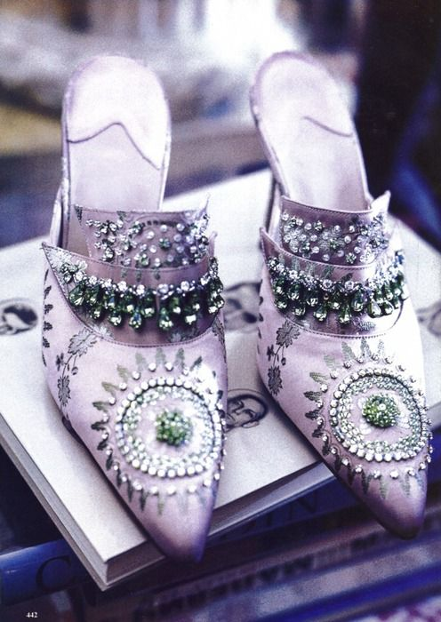 Purple Antoinette BEAUTIFUL THINGS: decor, words, clothes, shoes, houses, people, food, places, weddings