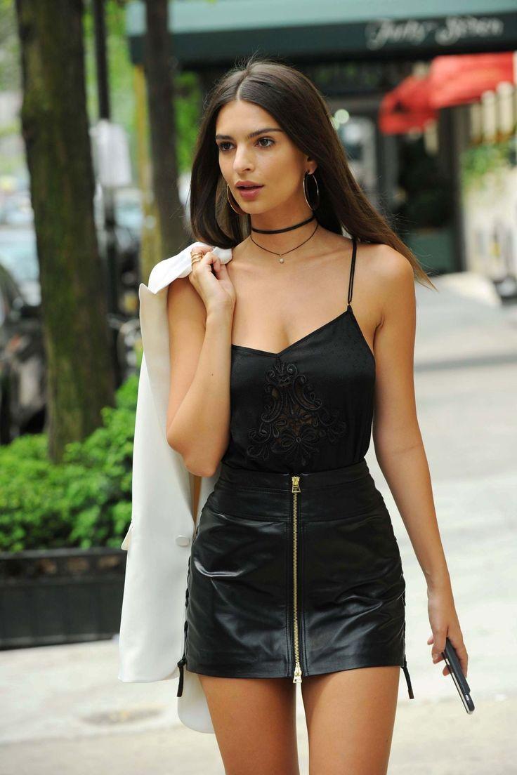 emily ratajkowski   Emily Ratajkowski Chic Street Style – New York City, July 2016