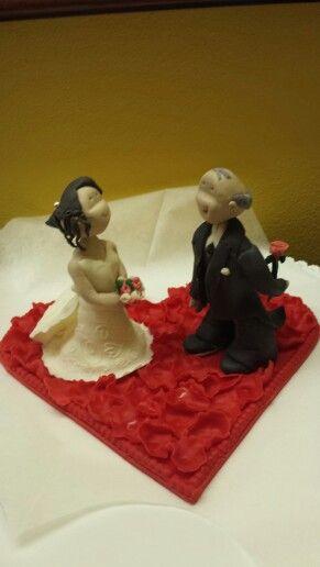 Anniversario di matrimonio sposini in pasta di zucchero