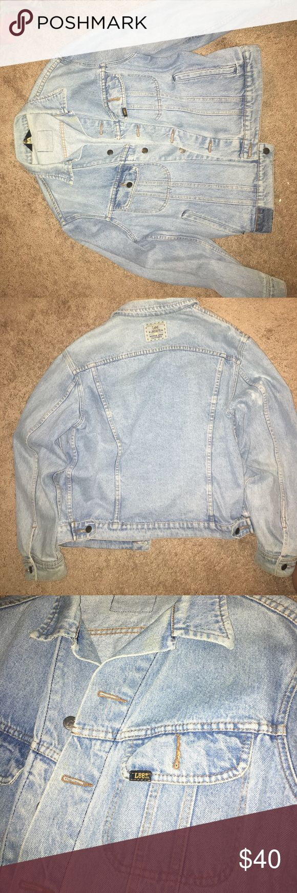 Lee's Vintage Oversized Jean Jacket Oversized. Worn a few times. Size medium/large for men. Cheaper through venm🔘 or paypl. Negotiable Lee Jackets & Coats Jean Jackets