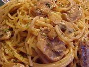 Spaghetti sauce crémeuse à la vodka, champignons et fromage