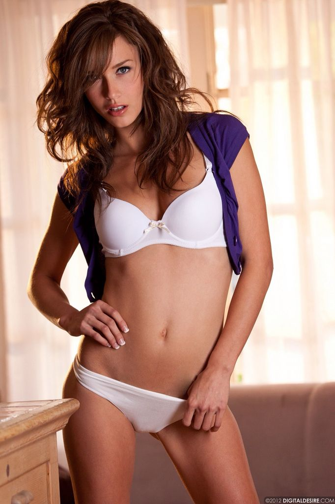 malena morgan body