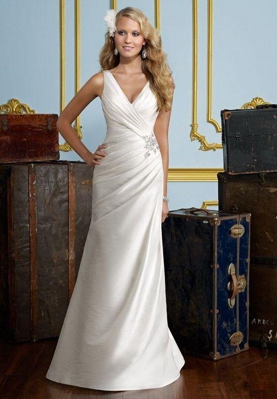 Moda, Elegancja i Klasa ...: Piękno Prostoty - Proste i Skromne Suknie Ślubne