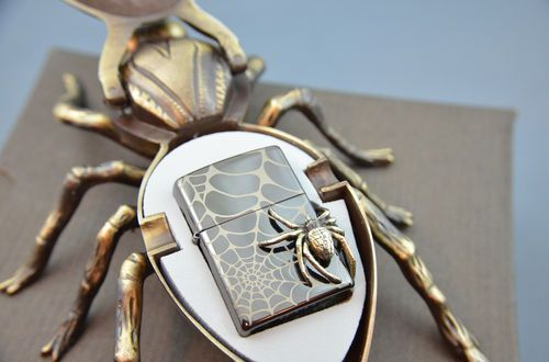 ZIPPO SPIDER ON EDGE - limited lighter very rare with SPIDER CASE TOP