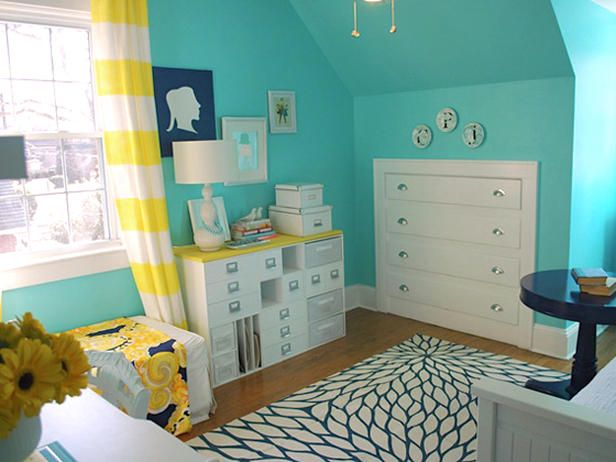 Love this office bedroom with built- in chest drawers