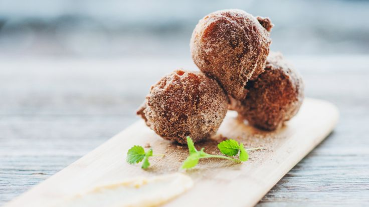 There is nothing quite like the smell of freshly made donuts. Chef Sarah has the…