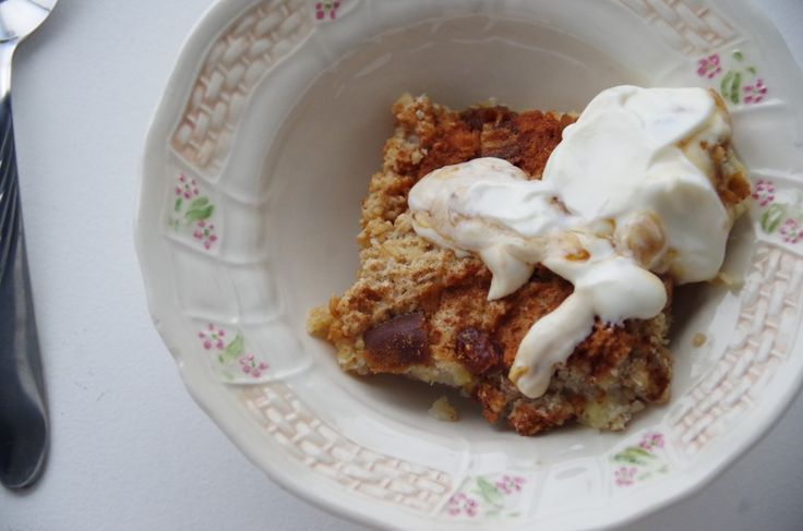 Banana and date crumble (from www.onefairday.com)