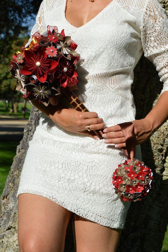 Ramo de novia Deep Red + mini ramo colgante para lanzar a las solteras