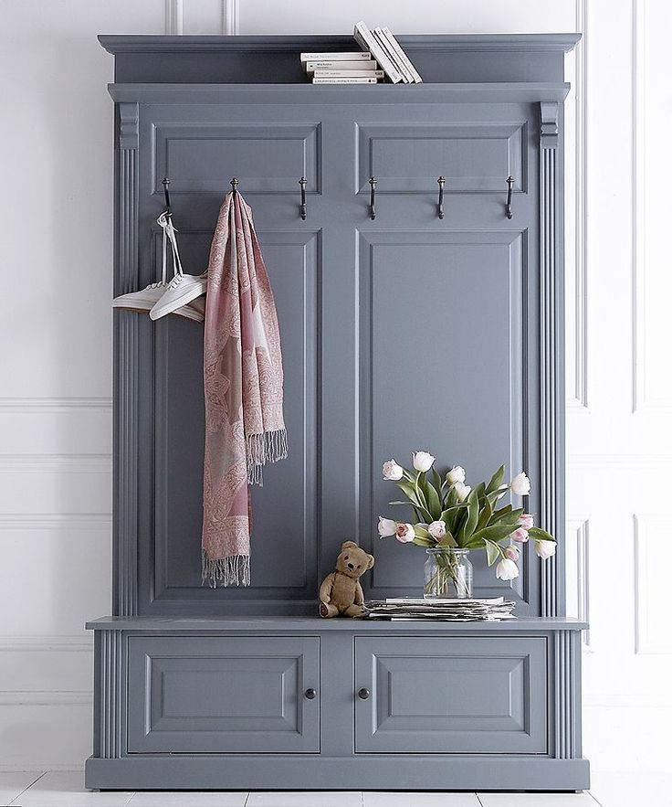 Give your hallway an instant makeover with our collection of hall stands - and finally a place for coats shoes keys and all the usual hallway clutter