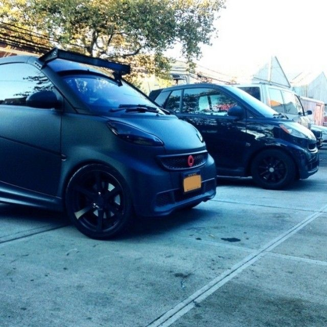 What look are you owning right now: metallic or matte?  #regram @thecustomshopnyc #smartcar #smart #fortwo #matteblack
