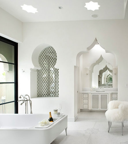 White on white moroccan style bathroom. Wonderful!