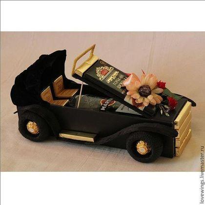 Персональные подарки ручной работы. Подарок для мужчин ретро-автомобиль из алкоголя. Елена Михайлова. Интернет-магазин Ярмарка Мастеров. бархат