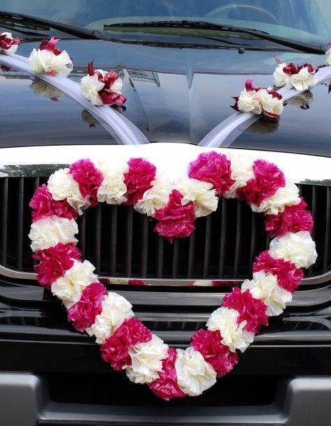 Autoschmuck zur Hochzeit: Herz-Girlande in Pink und Weiß