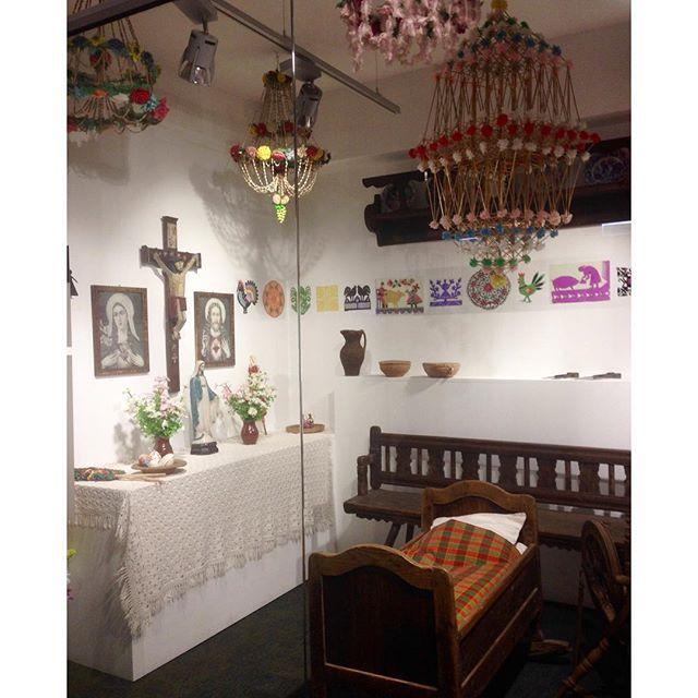 ethnographic museum in Warsaw. highly recommend :-) ワルシャワ民俗博物館。リニューアルオープン後初めて来ましたが、とっても良い展示になってました。おすすめ。 #民俗博物館 #muzeumetnograficznewarszawa #ヤノフ村の織物ツアー