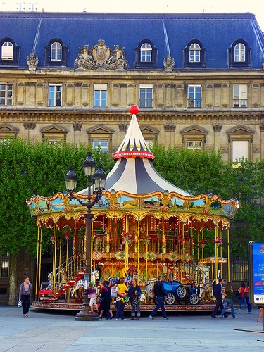 FRENCH CAROUSEL 1st and only experience i have had with motion sickness...between 3 delightful frenchmen and a scott..I managed to get taxi home without making too much of a mess...my jag top however had to be thrown..i could't bare the sight of it!!