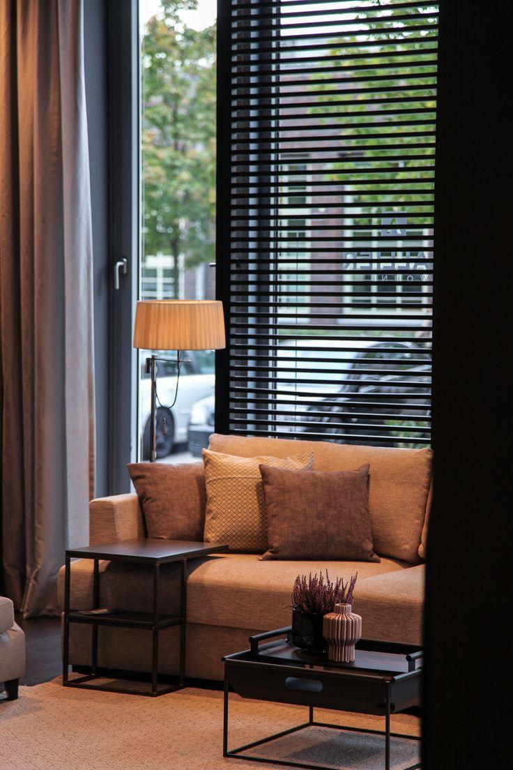 Was gibt es schöneres als sich abends gemütlich auf die Couch zu kuscheln? #sallierwohnen #sallierhamburg #hamburg #interiordesign #interior #living #livingroom #inspiration #novemberblues