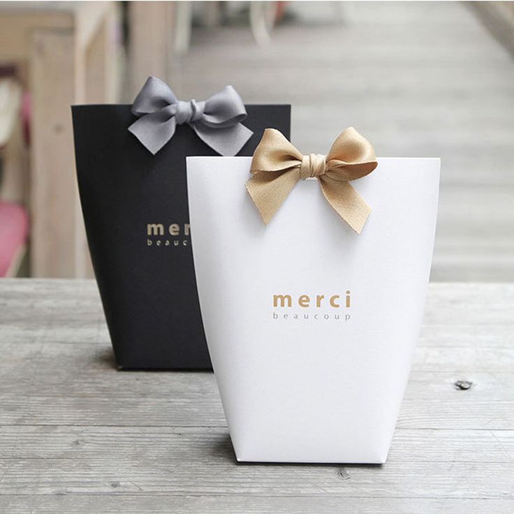 """5pcs Upscale Black White Bronzing """"Merci"""" Candy Bag French Thank You Wedding Favors Gift Box Package Birthday Party Favor Bags"""
