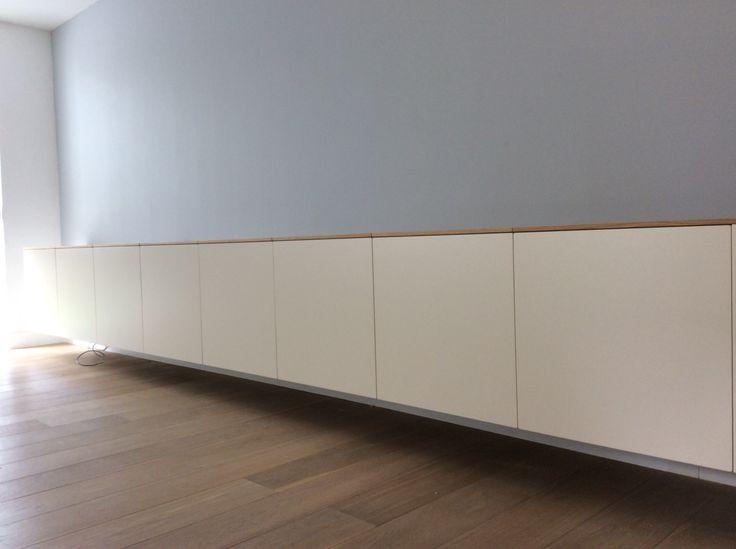 Nonoo 18. Zwevend dressoir / tv meubel. Extra: de boven panelen zijn van eiken. Stel zelf je Nonoo samen op www.nonoo.nl