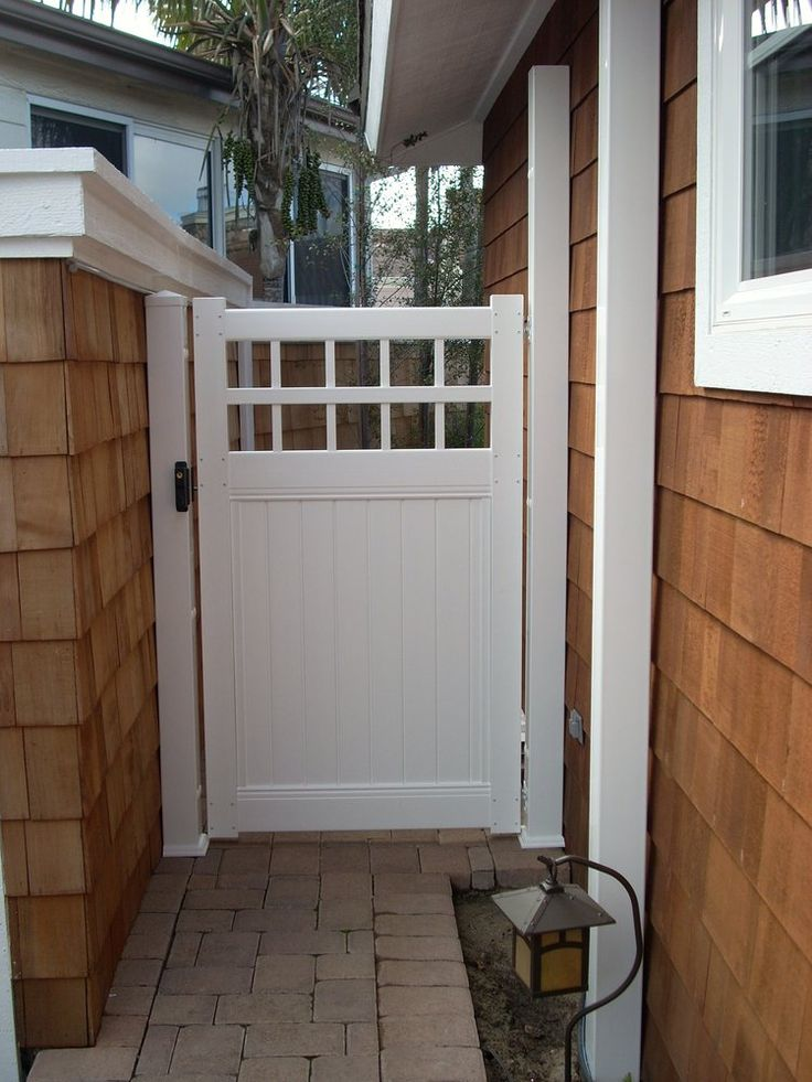 Saddleback Fence & Vinyl Products - Costa Mesa, CA, United States. White Privacy with Picket Vinyl Gate
