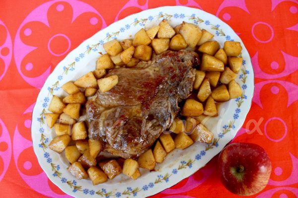 μικρή κουζίνα: Χοιρινό με μήλα