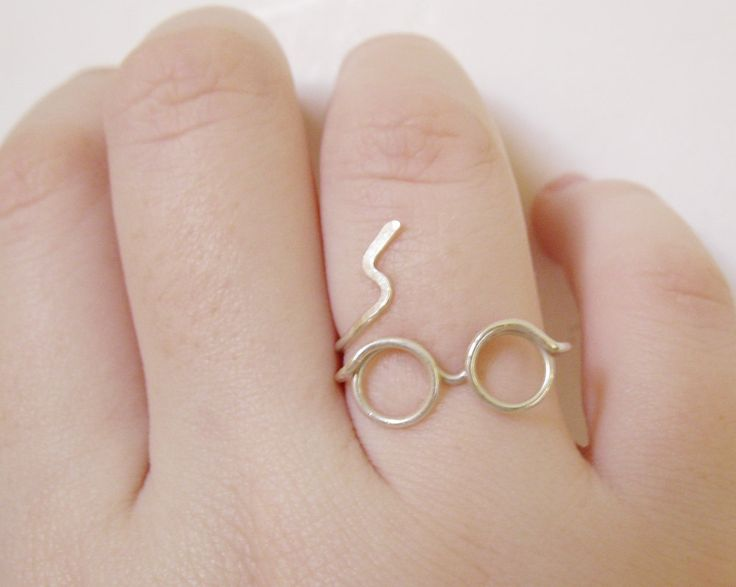 Harry Potter Ring - What?? MUST HAVE THIS