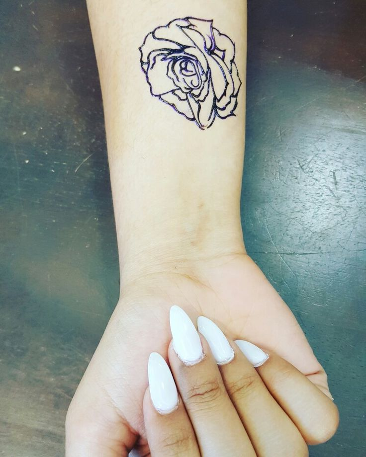 Rose wrist tattoo with white stileto acrylic nails  #hennajedi #destinhenna