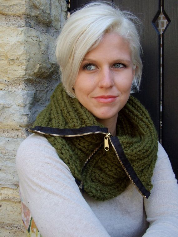 zipper scarf - I want to make this! Plus, she has great hair!