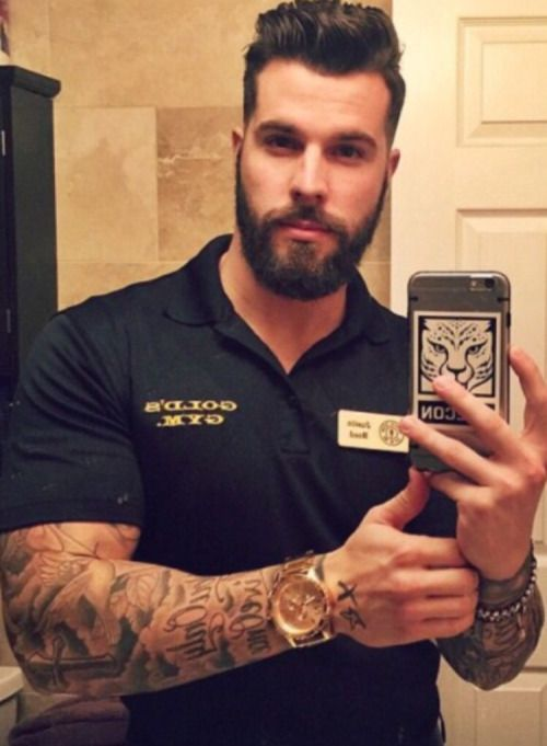 This fucking hunk of a man is pumping me up with his sleeves bulging larger than life pythons, and aghhghhh that testosterone filled beard, sultry look and massive hands mhhhmmmm <<<<<<<3
