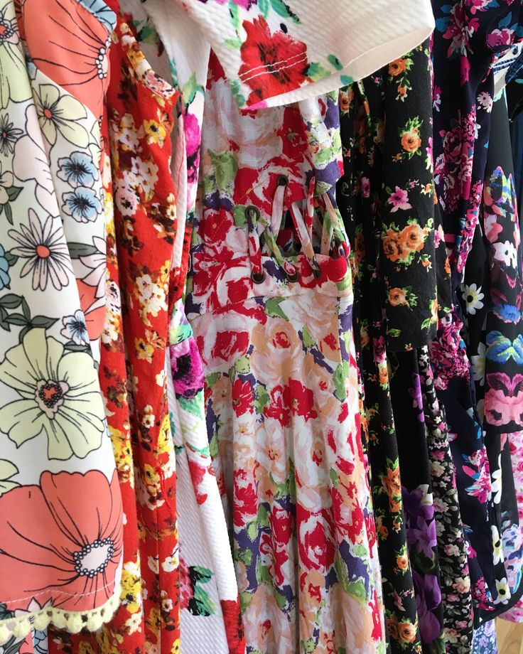Floral prints in all shapes and sizes | IG: threads_clothingexchange  Shop Threads Online Boutique + sign up for monthly deals https://https://www.threadsclothingexchange.com/ . . . . . . #threadsclothingexchange #roseville #ootd #instafashion #vintage #sacramento #916 #fashionblog #fashionista #streetstyle #stylish #savetheworld #consignment #handmade #shopsmall #forsale #blogger #fashionstyle #thrift #thrifter #outfitoftheday #styleblogger #vintagefashion #womensfashion #plussize…