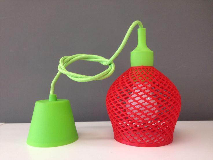 Design Strawberry lamp 3D printed di DaisiesAnna su Etsy https://www.etsy.com/it/listing/555232501/design-strawberry-lamp-3d-printed