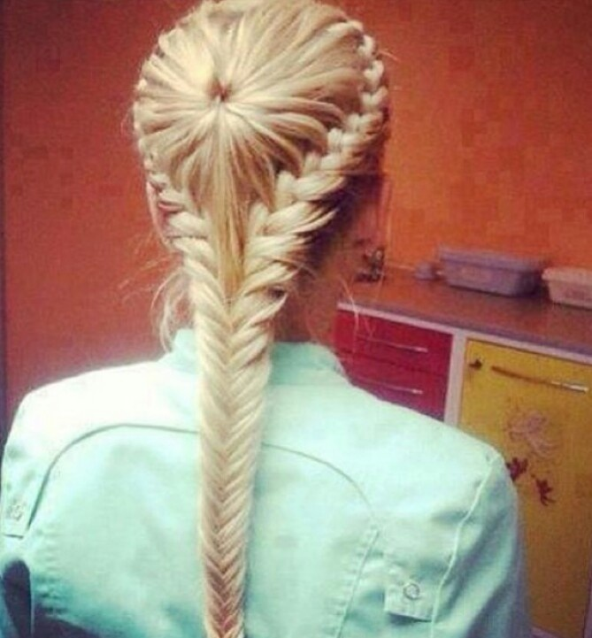 Regular braid into fishtail. #hair #fishtail #braid