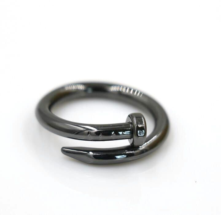 Shaped like a nail, this ring bends and curves in a way that no iron nail ever could! Perfect as a statement ring, this will make a wonderful statement piece, or a one of a kind, interesting wedding b