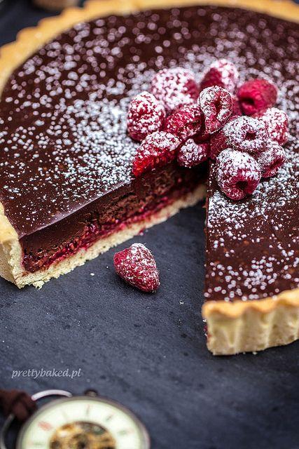 Chocolate tart with raspberries / http://prettybaked.pl / http://facebook.com/prettybakedpl