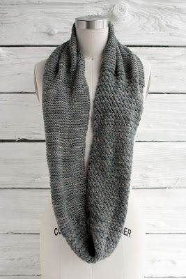 NobleKnits Knitting Blog: Manos Fino: Cesta Cowl Free Knitting Pattern!