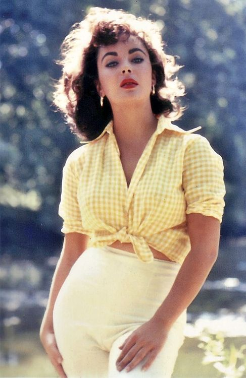 Elizabeth Taylor love the outfit!