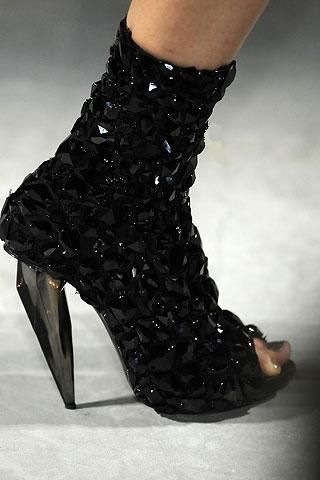 Alexander McQueen's fashion shoes