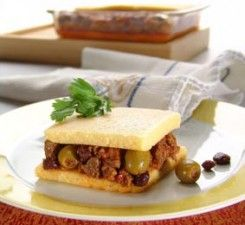 polenta rellena con guiso de carne