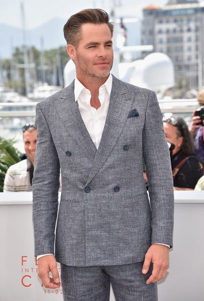 "Chris Pine Photos - Actor Chris Pine attends the ""Hell Or High Water"" Photocall during the 69th Annual Cannes Film Festival on May 16, 2016 in Cannes, France. - 'Hell or High Water' Photocall - The 69th Annual Cannes Film Festival"