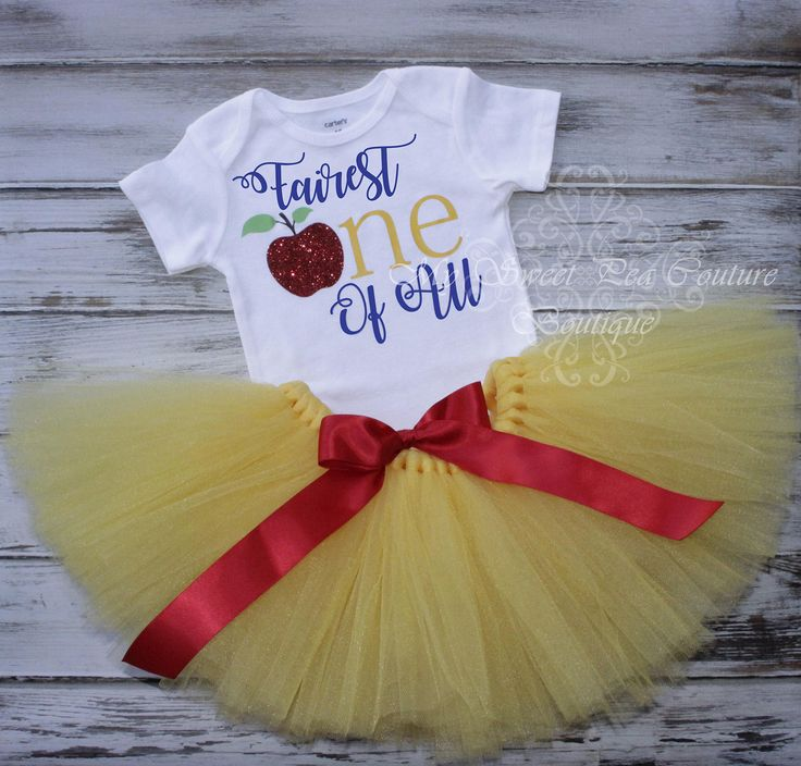 Snow White First Birthday Tutu Outfit- Cake Smash Outfit- Fairest One of All- 1st Birthday Outfit- Snow White Birthday- 1st Birthday Onesie by MySweetPeaCouture on Etsy