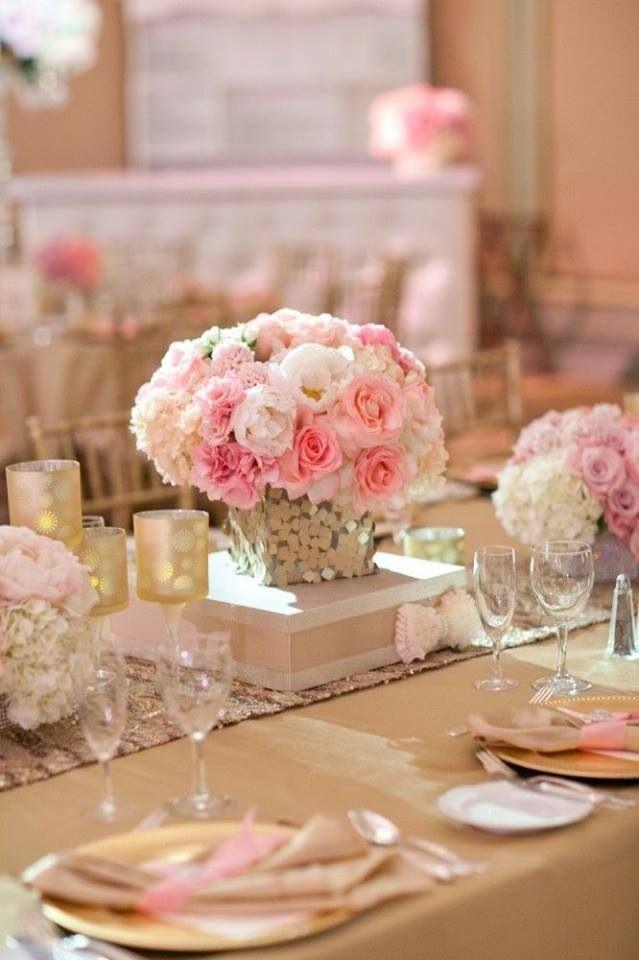 Wedding table centerpiece centerpieces low pinterest for Wedding table floral centerpieces