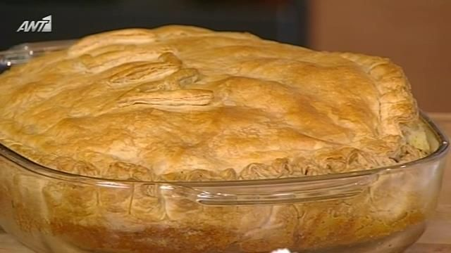Αργυρώ Μπαρμπαρίγου - μπουγατσα με κρέμα βανίλιας και κομάτια σοκολάτας