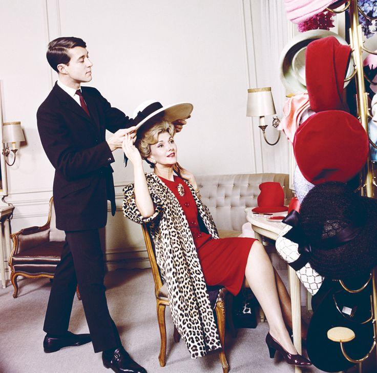 1959: Halston joins Bergdorf Goodman as head milliner. #TurnofStyle