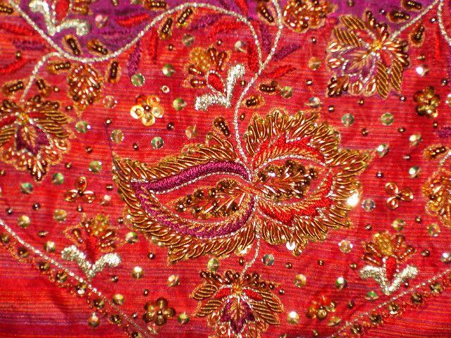Зардози - индийская вышивка золотом