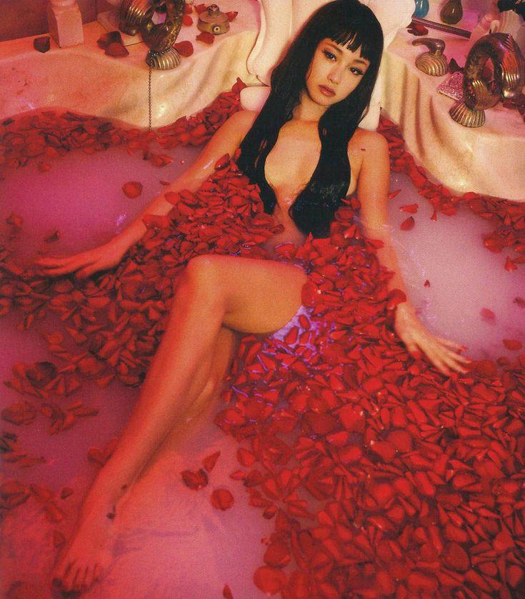hubungus: Erika Sawajiri in Helter Skelter