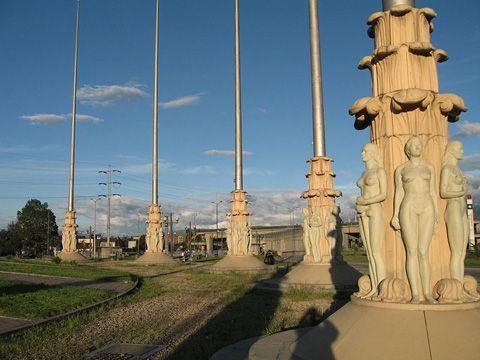 Monumento banderas bogota - Buscar con Google